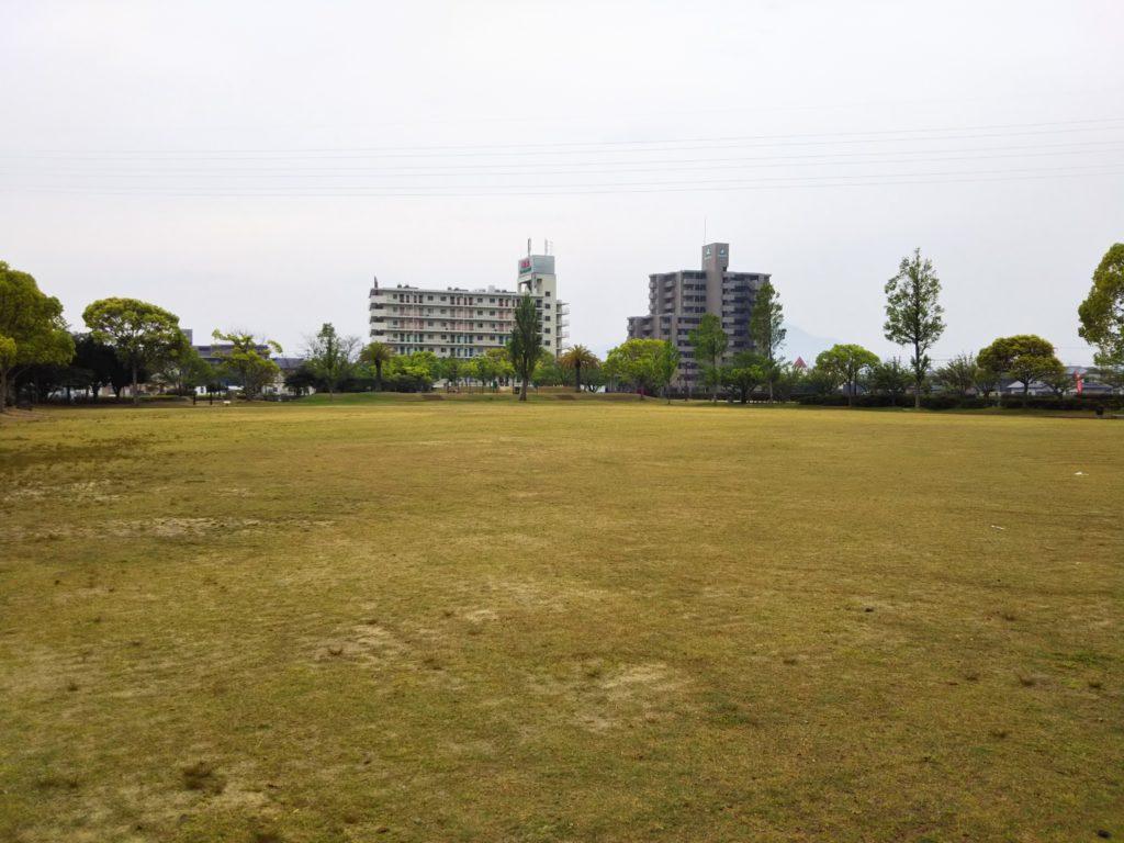 グラウンドや球技場