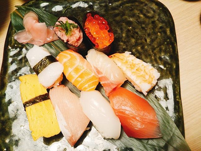 遊食房屋の寿司