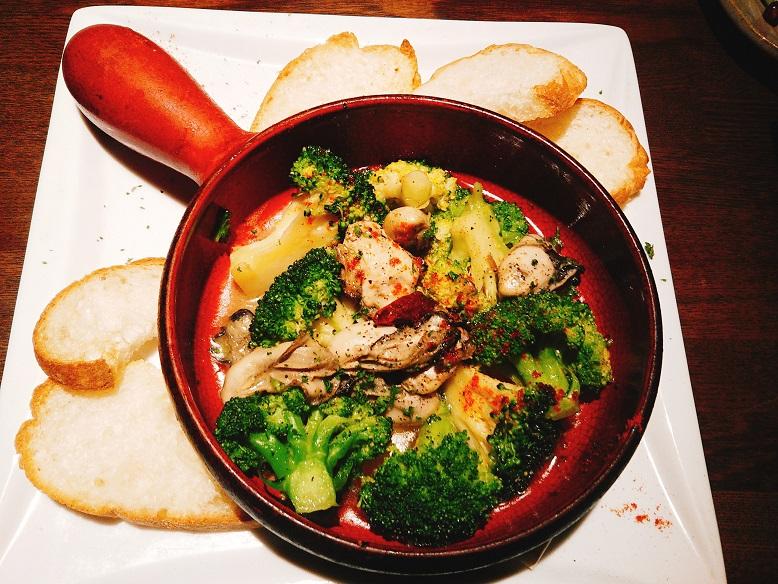スペイン牡蠣のアヒージョ